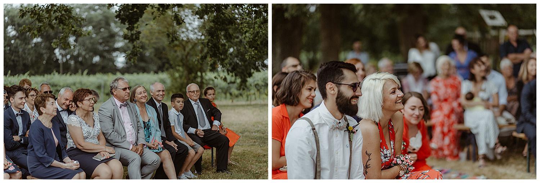 visages des invites pendant un mariage en exterieur