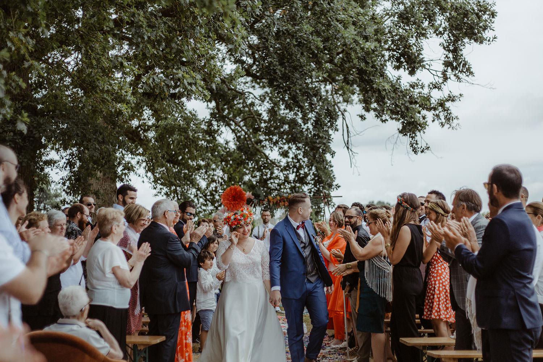 sortie des maries en fin de ceremonie