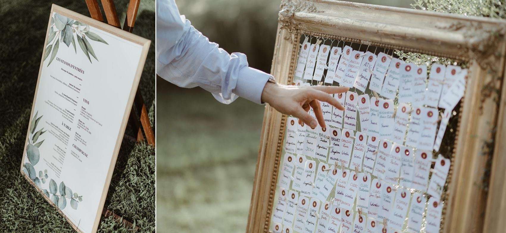 Plan de table de mariage avec un cadre en bois peint en doré et étiquettes DIY