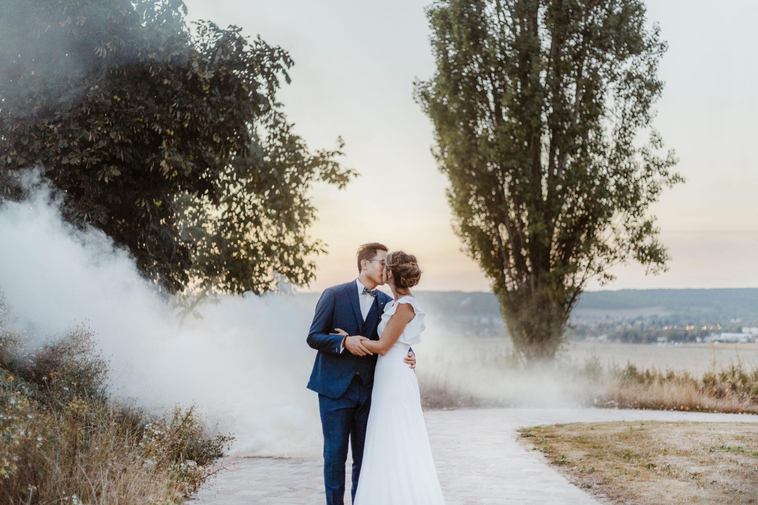 une cérémonie laïque au village de sully dans les yvelines - photographe de mariage